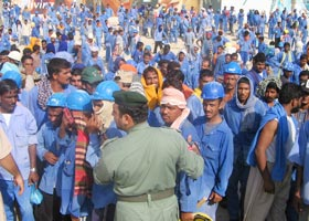 111 gulf_migrant_workers